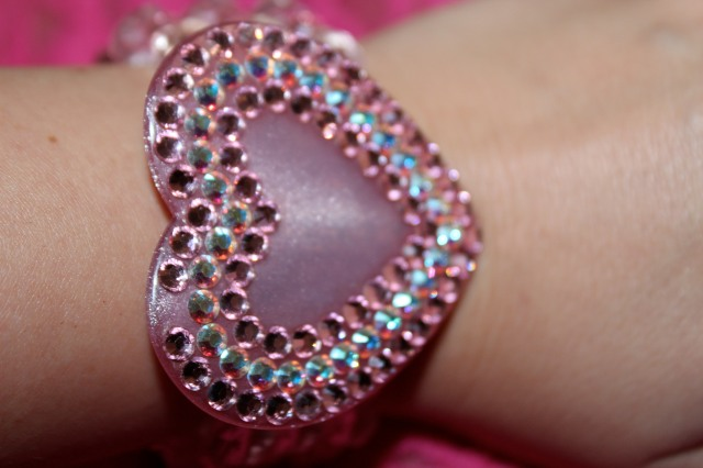 Tarina Tarantino heart bracelet. If it's anyone who can appreciate the color pink as much as I do, it's the woman with pink hair.