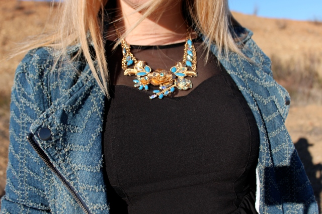 I've been obsessing over Haute Look and their trend jewelry. My newest addition this lovely floral gem from Eye Candy.